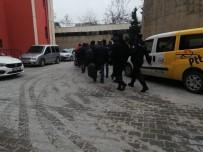 ADLİ KONTROL - Mardin'de FETÖ Operasyonu Açıklaması 5 Tutuklama