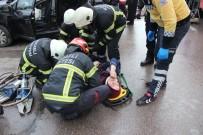 Otomobil İle Tır Kavşakta Çarpıştı Açıklaması 1'İ Çocuk 4 Yaralı