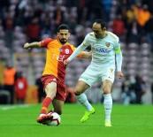 KIRMIZI KART - Spor Toto Süper Lig Açıklaması Galatasaray Açıklaması 3 - İM Kayserispor Açıklaması 1 (İlk Yarı)