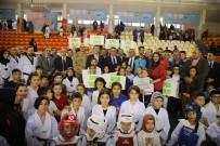 MEHMET KASAPOĞLU - Tokat'ta Sporculara 2 Milyon Liralık Malzeme Desteği
