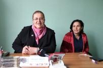 (Özel) Tek Kadın Muhtar 4 Adaya Karşı Seçimi Kazandı