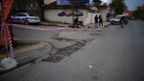 Sancaktepe'de Silahlı Saldırı Açıklaması 1'İ Ağır 2 Yaralı