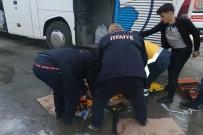 Tamir Sırasında Krikolar Kaydı, 3 Kişi Otobüsün Altında Kaldı