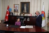 Başkan Esen Koltuğunu Afgan Öğrenciye Devretti
