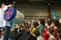 Çocuklar Festivalde Bilim Şov İle Eğlendi