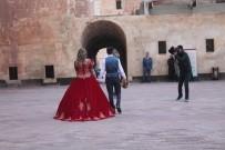 Fotoğrafçıların Doğal Stüdyosu Açıklaması İshak Paşa Sarayı