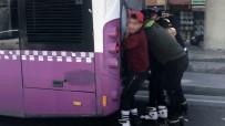 YUNUS EMRE - İstanbul'da 8 Patenli Gencin Tehlikeli Yolculuğu Kamerada