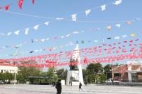 CUMHURİYET MEYDANI - Manisa Türk Bayraklarıyla Donatıldı