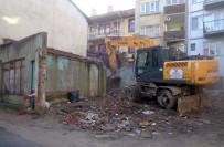 CAN GÜVENLİĞİ - Osmangazi Metruk Binalardan Temizleniyor