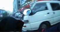 (Özel) İstanbul'da Sürücünün Çarptığı Motosikletliye, 'Bana Değil Duvara Çarptın, Görmedim' Demesi Pes Dedirtti