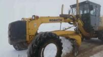 KÖY YOLLARI - Siirt'te Kar Yağışı Nedeni İle Kapanan Grup Köy Yolları Ulaşıma Açıldı