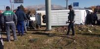 Yolcu Midibüsüyle Otomobil Çarpıştı Açıklaması 2'Si Ağır 17 Yaralı