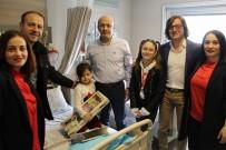 İLETIŞIM - 23 Nisanı  Hastanede  Kutladılar