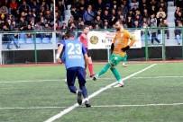 BELEDİYESPOR - Attığı 16 Golle Kendisini Ve Yeşilyurt Belediyespor'u Zirveye Taşıdı