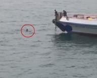 GEZİ TEKNESİ - Denize Düşen Şahıs Böyle Kurtarıldı