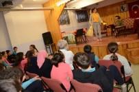Erzincan'da  'Okulda Tiyatro Var' Etkinliği İle Binlerce Öğrenci Tiyatro İzledi