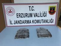 JANDARMA - Erzurum'da Yarım Milyon Liralık Reçine Esrar Ele Geçirildi