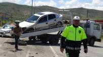 POLİS EKİPLERİ - Gercüş'te Çarpışan Araçlarda Kimsenin Burnu Bile Kanamadı