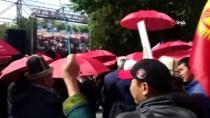 CUMHURBAŞKANı - Kırgızistan'da Eski Milletvekilleri İçin Kırmızı Şemsiyeli Protesto