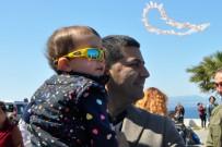 GÜNEŞLI - Kuşadası'nda Çocuklar İçin Uçurtma Şenliği Düzenlendi