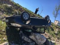 JANDARMA - Yavuzeli'nde Trafik Kazası Açıklaması 2 Yaralı