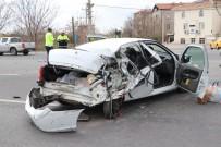 Aksaray'da Tır İle Otomobil Çarpıştı Açıklaması 3 Ağır Yaralı