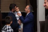 ALINUR AKTAŞ - Efeler Şampiyonluk Pastasını Çocuklarıyla Kesti