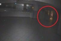 EŞREF BITLIS - Okula Giren Hırsızlar, Etkinlikler İçin Toplanan Paraları Çaldı