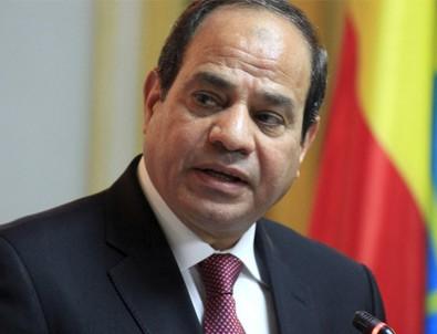 Sisi'ye Mısır'da 2030 vizesi!