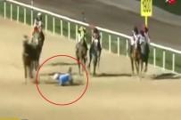 JOKEY - Attan Düşen Jokey, Arkadan Gelen Atların Altında Kalmaktan Son Anda Kurtuldu