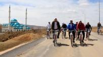 GENEL SEKRETER - Bayburt Üniversitesi Öğrencileri 'Geleceğe Pedal Çevirdi'