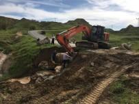 KÖY YOLLARI - Sason Ve Kozluk'ta Yağmur Sonrası Tahrip Olan Köy Yolları Onarılıyor