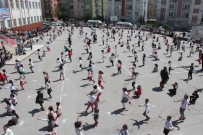 Tokat'ta 500 Öğrenci Aynı Anda İp Atladı