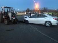 Traktör İle Otomobil Çarpıştı Açıklaması 5 Yaralı