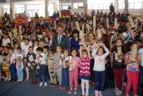10 Bin Öğrenciye Satranç Takımı Hediye Edildi