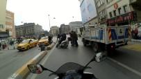 TUTKAL - Motosikletlinin El Arabalı Adama Çarptığı Anlar Kamerada