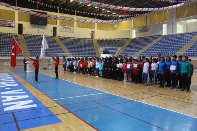 Van'da 'Yıldızlar Badminton Grup Müsabakaları' Başladı