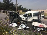 İZMIR ADLI TıP KURUMU - İzmir'de Feci Kaza Açıklaması 7 Ölü, 1 Yaralı