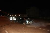 Kaza Yapan Aracın LPG Tankı Patladı Açıklaması 3 Yaralı