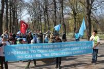 UYGUR TÜRKÜ - Uygur Türkleri Stockholm'de Çin'i Protesto Etti