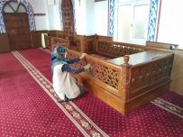 Niksar'da Camilerde Ramazan Temizliği