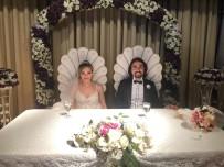 MUSTAFA ÜNAL - Öğrencisinin Önce Anne Ve Babası, Şimdi İse Nikah Şahidi Oldu