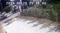 Park Halindeki Otomobile Çarpan Araçtaki 2 Kardeş Öldü