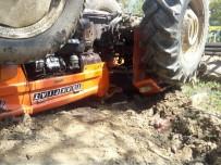 Traktörünün Altında Kalan Sürücü Hayatını Kaybetti