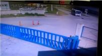 BEYKÖY - Yol Ortasında Duran Köpeğin Üzerinden Minibüs Geçti