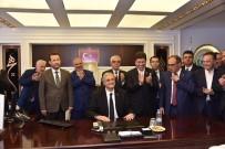YAŞAR TÜZÜN - Bozüyük Belediye Başkanı Mazbatasını Alarak Göreve Başladı