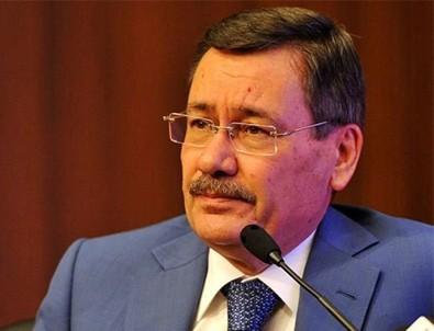 Melih Gökçek'ten dikkat çeken Ankara ve İstanbul açıklaması