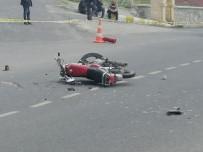 Niğde'de Otomobil İle Motosiklet Çarpıştı Açıklaması 1 Ölü, 2 Yaralı
