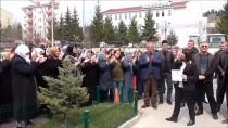 OBJEKTİF - Pazaryeri'nin Bağımsız Belediye Başkanı Zekiye Tekin Mazbatasını Aldı