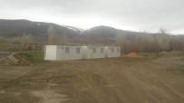 Sivas'ın Kangal İlçesi Akçakale Köyünde Evleri Hasar Gören Aileler Konteyner Evlere Yerleştirildi